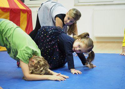 otroška joga rojstni dan