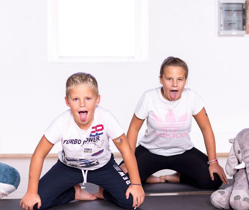 Kaj je joga za otroke?